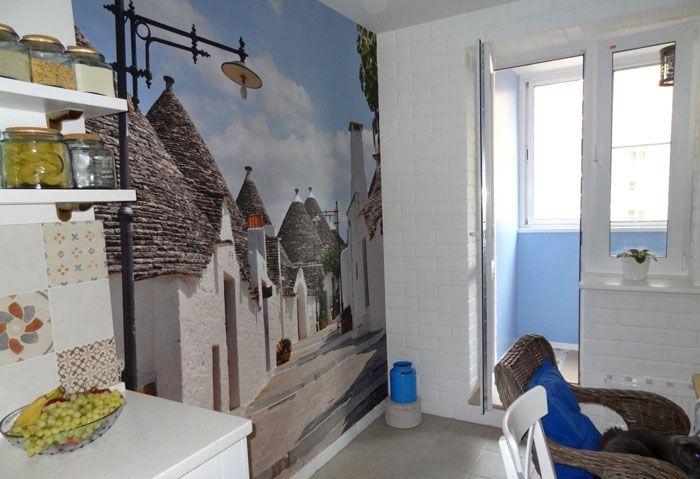 Фреска или фотообои – ещё один эффективный способ «увеличения» объёма красивой маленькой кухни