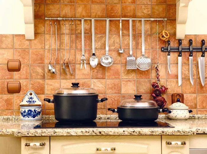 Традиционный вариант – классическая керамическая плитка