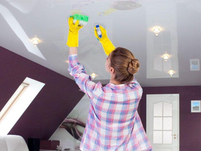 Чем мыть глянцевые натяжные потолки без разводов