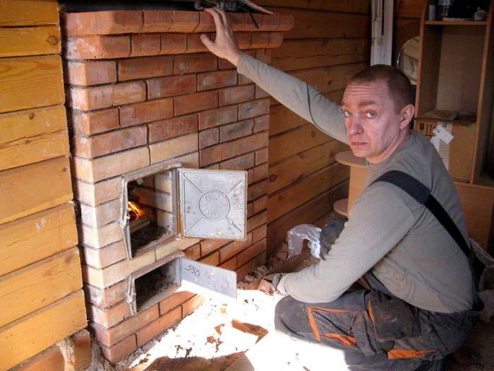 В процессе кладки следует тщательно герметизировать все стыки, чтобы угарный газ не проникал в помещение в процессе топки