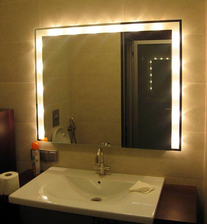 Подсветка у зеркала помогает создать особую умиротворяющую атмосферу в ванной