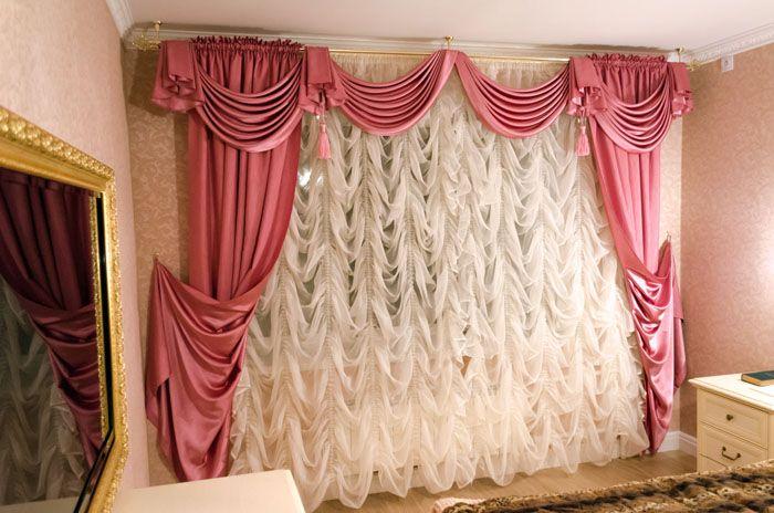 Роскошь королей прежде называлась «Маркиза», что полностью соответствует помпезности и богатству такого убранства окна