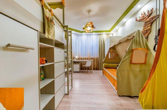 Полог в форме походной палатки – отличная идея для комнаты будущего путешественника