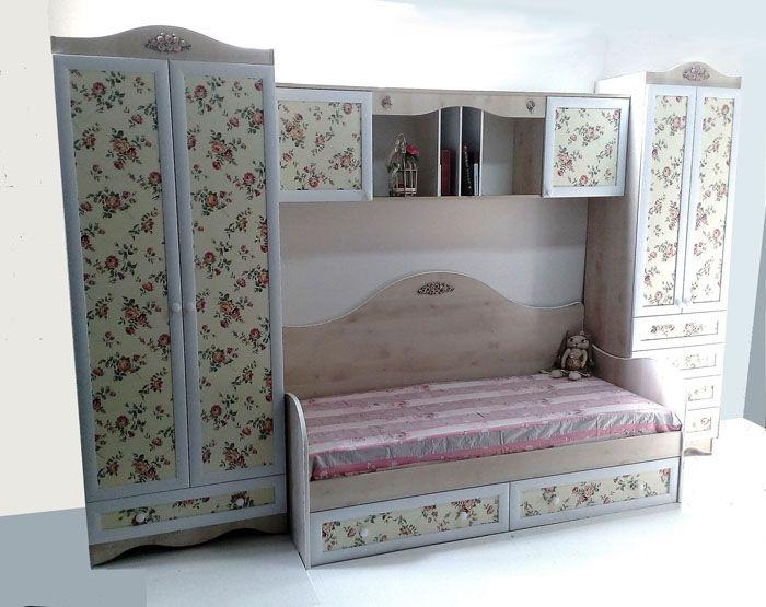 Компактные шкафчики для комнат подростков сами по себе являются образцами прованса. Множество секция и мест для хранения делает вещь максимально удобной