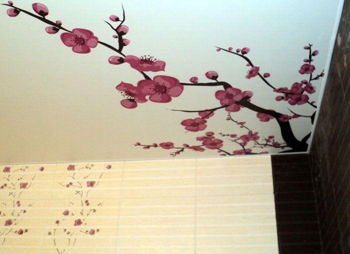 Японский стиль дополняется фотопечатью цветущей сакуры