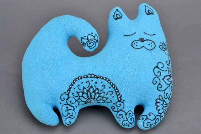 Подушка-котик желает всем сладкой дневной дрёмы!