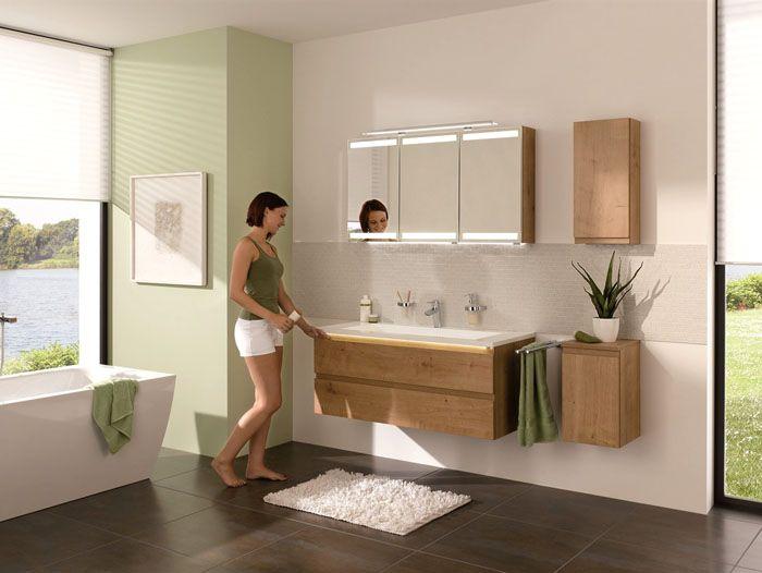 Красиво, удобно, декоративно:зеркало с подсветкой и шкафчиком в ванную