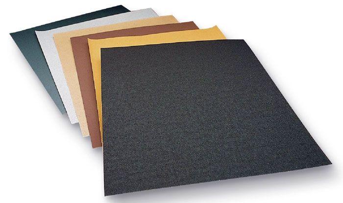Мелкозернистая наждачная бумага хорошо убирает въевшуюся грязь