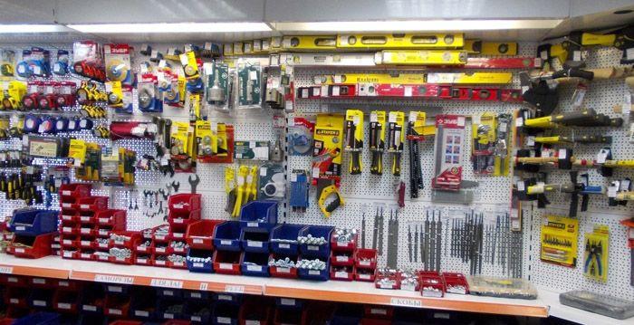 Отдел по продажам расходных материалов есть в каждом магазине и торговой сети, работающих с ручным инструментом и товарами строительного ассортимента