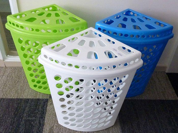 Угловые корзины для белья из пластика