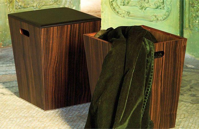 Деревянная корзина, выполненная в виде пуфика
