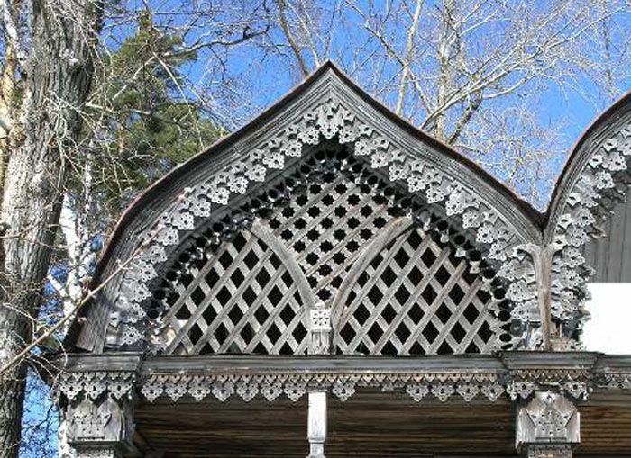 Килевидная форма была популярна в России при деревянном строительстве в прежние времена