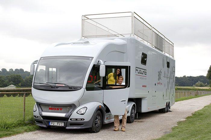 Вариант дома на колёсах интегрированного типа на базе грузовика