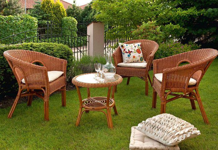 Качели, кресла, гамаки, креслица — такими предметами в саду пользуются с удовольствием, потому что они обещают хороший отдых