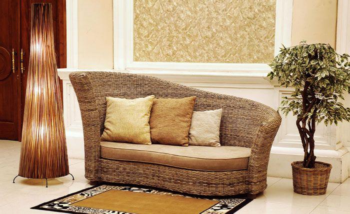 Чем оригинальнее форма, тем интереснее диван в интерьере