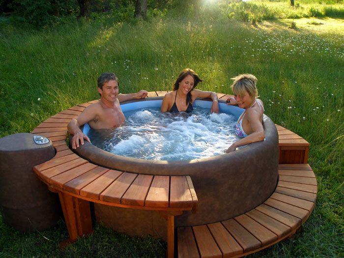 Мини-бассейны не позволяют плавать, но прекрасно охлаждают в жаркий день