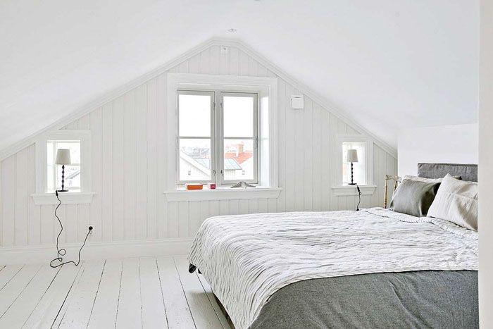 Если удалось подобрать фактуру для стен, напоминающую необработанную светлую доску, можно сказать о грамотном подходе в воссоздании скандинавских ландшафтов в комнате