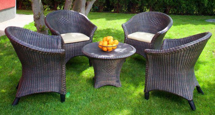 Мебель может эксплуатироваться долгие годы, проводят сезон за сезоном на улице