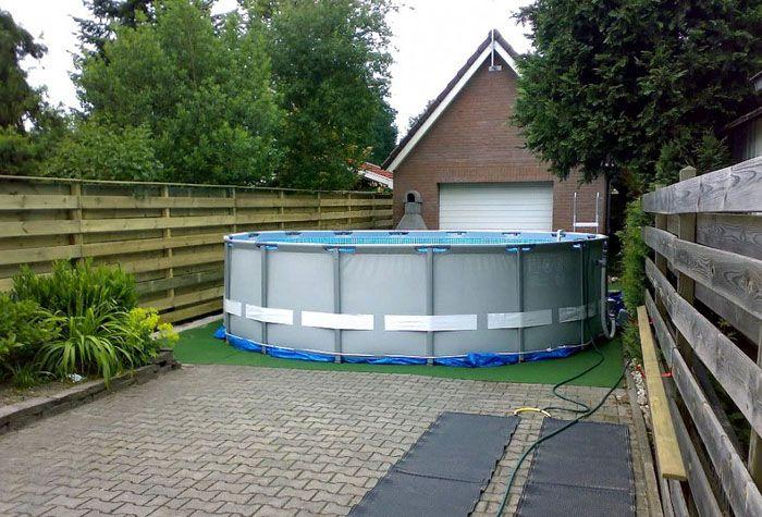 Лучше, чтобы с внешней стороны бассейн был укреплен специальным удерживающим кольцом, которое обеспечит надежность конструкции