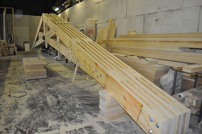 Использование LVL-бруса при изготовлении стропильной системы сложной конструкции