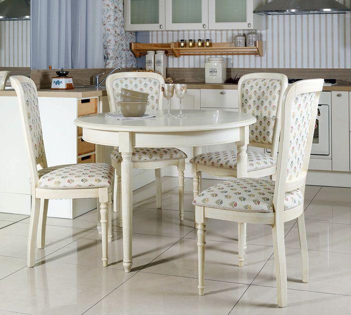 Текстильные стулья комфортны и добавляют ощущения уюта