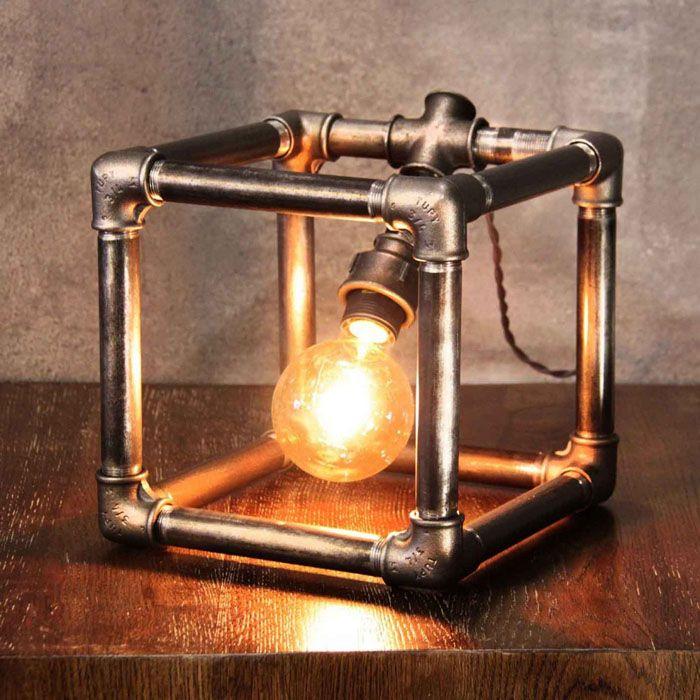 Собрать такой светильник самому будет несложно и интересно