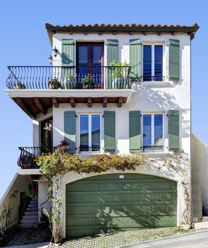 Балкон получил своё название от слова «балка». Раньше балка была небольшим выступом около окна, оградив которую люди получили возможность выходить на улицу, не покидая жильё