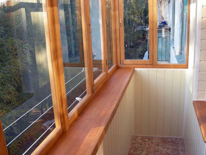 Остекление решает проблему нахождения на балконном помещении во время плохих погодных условий