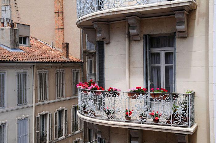 Внешне балкончики могут выглядеть в разы интереснее