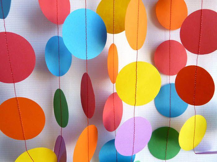 Для детской годятся самые яркие расцветки бумаги