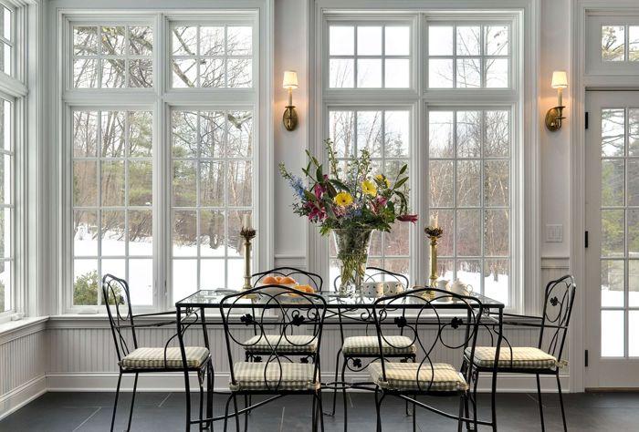 Для английского интерьера устанавливают окна с деревянными рамами