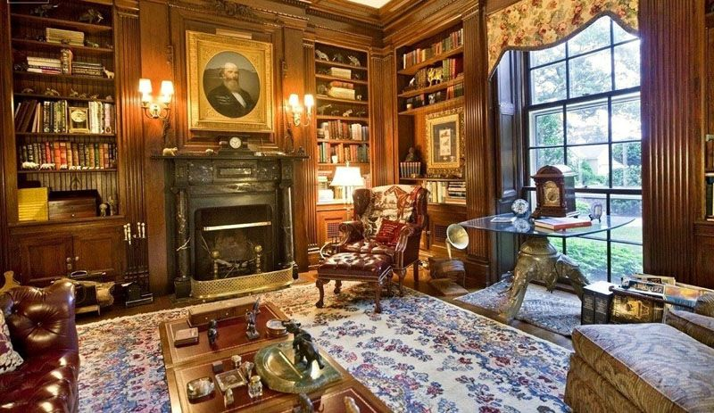 В британском интерьере часто встречаются элементы мебели, отделанные золоченой краской