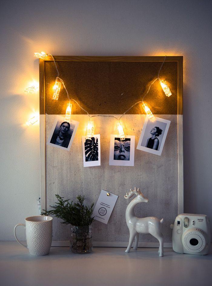 Не все любят большое количество декоративных элементов, но даже простое размещение гирлянды делает комнату особенной