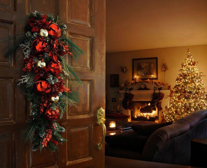 Задача №1 — за входной дверью должна начинаться зимняя сказка. Иначе даже нет смысла что-то менять к празднику в дизайне