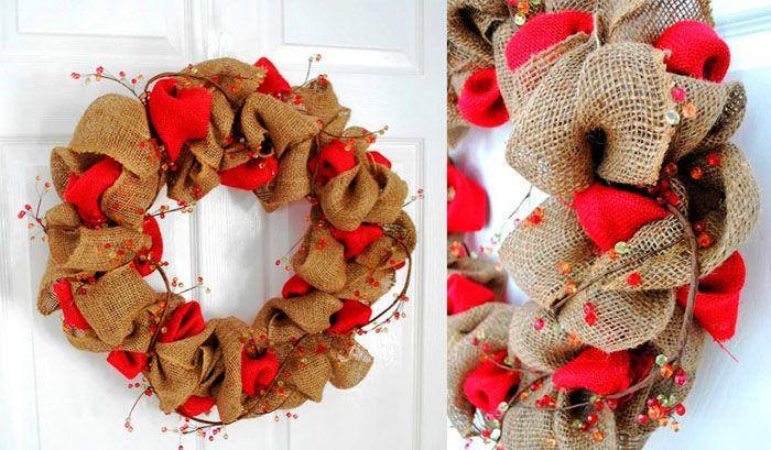 Используя ткань ещё одного цвета (красный предпочтительнее, он передаёт настроение Нового года), легко достичь интересного эффекта, просто собрав ткань вокруг основы