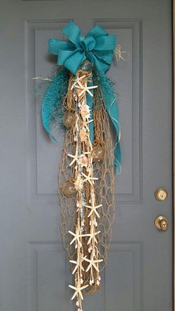 Немного морской тематики в Новый год еще никому не повредило. Ну, в самом деле, не только же венками украшать двери!