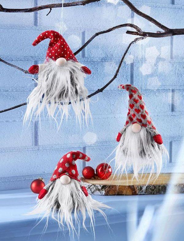 Изготовленные своими руками фигурки могут украсить елочку, ветки, послужить элементом гирлянды