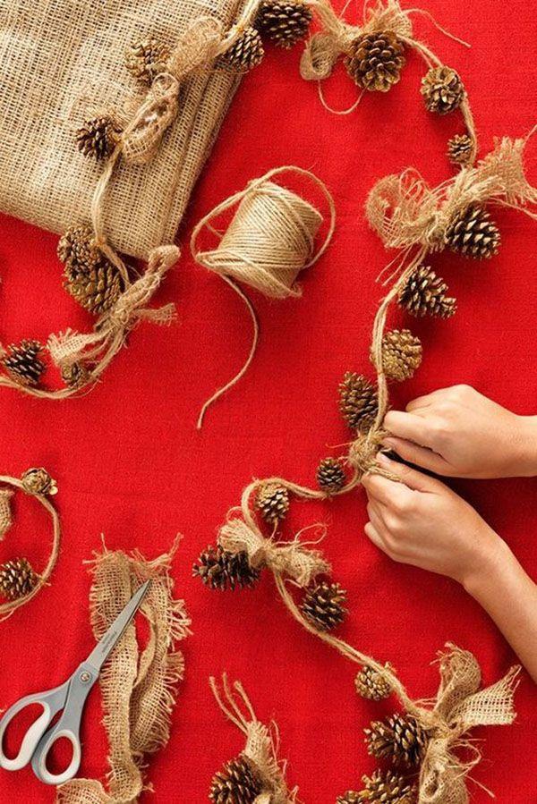 Оказывается, собрать гирлянду можно из растительного и другого материалов. Украсить ей легко что угодно