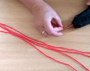 novogodnie-shary-svoimi-rukami-8-300x238 Новогодние шары своими руками: идеи, способы, декор