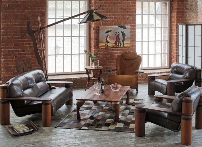 Массивной мебели тоже может найтись место в гостиной