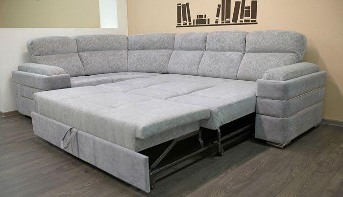 Неброская аккуратная обивка и в разложенном виде оставляет диван привлекательным