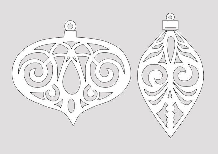 Елочные украшения можно подвесить в парящем состоянии или приклеить на поверхность