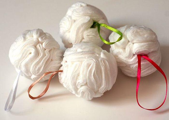 Без основы получаются миленькие небольшие шарики, в создании которых участвуют лишь иголка с ниткой