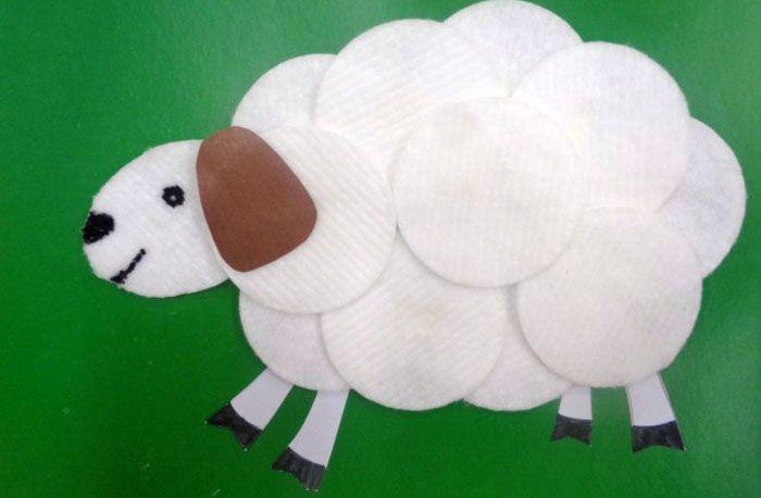 Несколько кружков лёгким движением руки превращаются в бегущую овечку