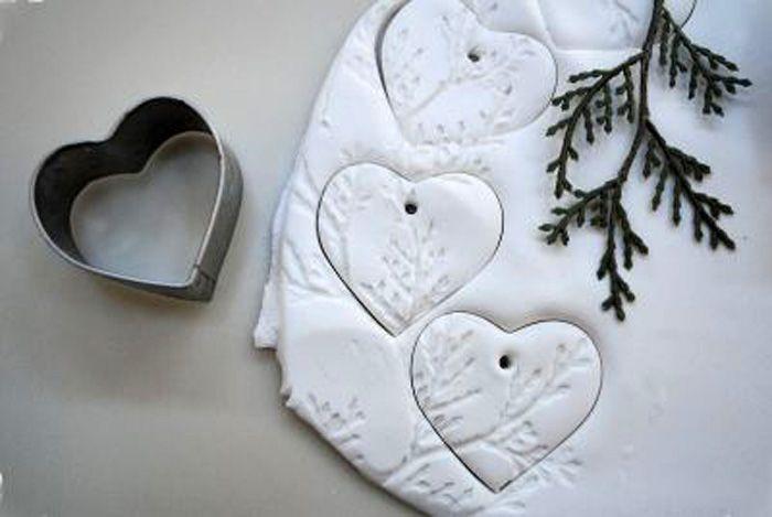 Форма для печенья легко поможет сделать плоские фигурки