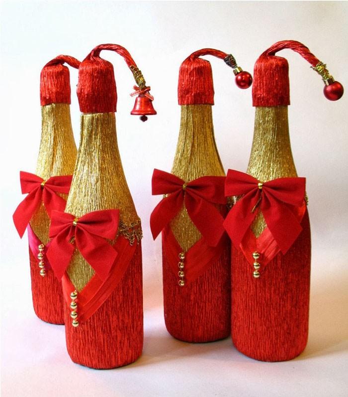 Красный и золотой — для идеального соответствия новогодней тематики