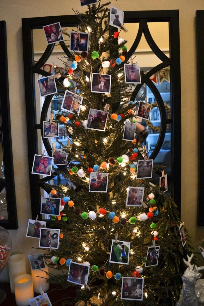 Фотографии на ёлке подведут итог счастливым моментам уходящего года и позволят с оптимизмом смотреть в будущий год
