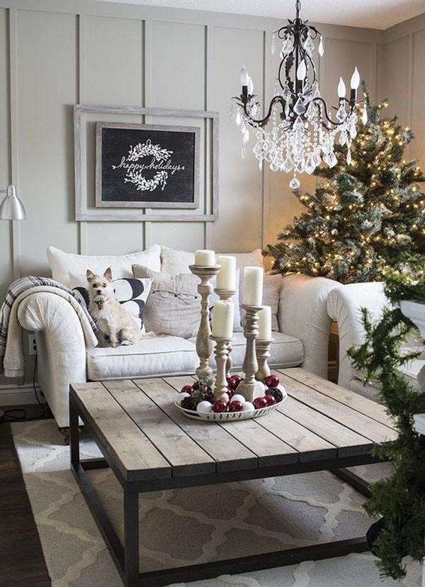 Не всем по душе яркие новогодние расцветки и обилие декора. Не стоит следовать никаким модным тенденциям, если они идут вразрез с собственным чувством стиля