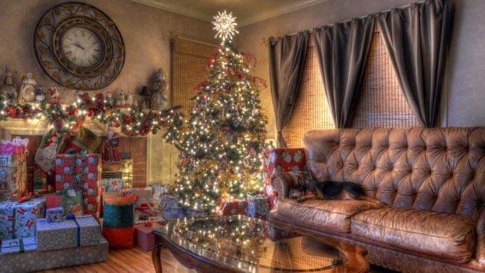 Обилие подарков будет подходящим украшением