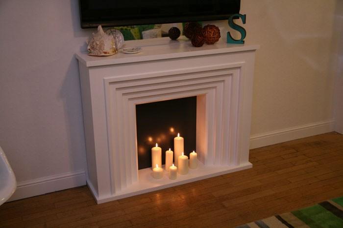 Свечи, поставленные на некотором расстоянии от стенок фальштопки, должны быть толстыми и устойчивыми